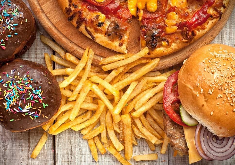 Folkhälsostudier finner stark koppling mellan ohälsosam kost och mental ohälsa